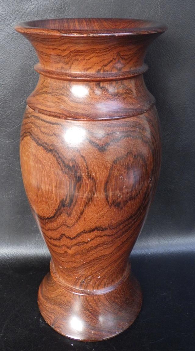 vase en palissandre modéle balustre Rimg2339