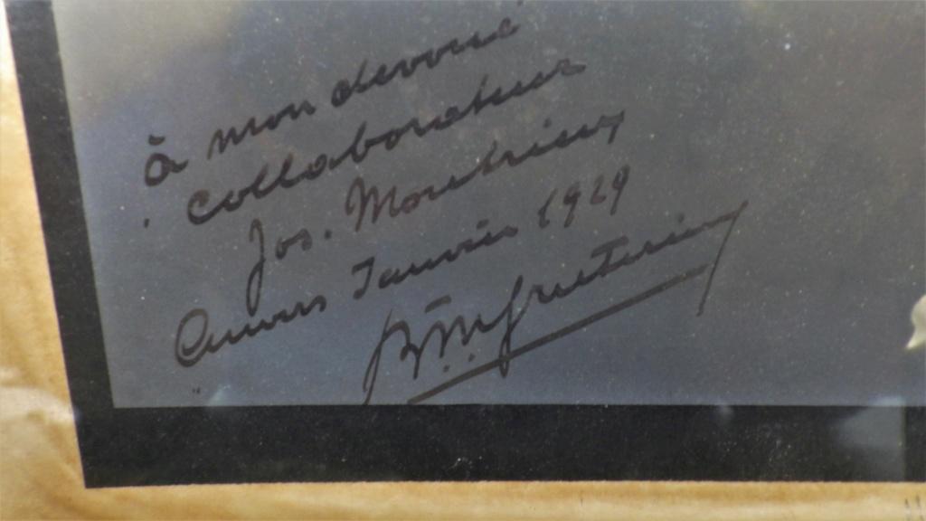 signature sur une photo dédicacée... Rimg4557