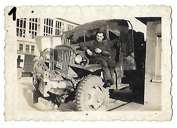 Blindés américains et camionà identifier 111