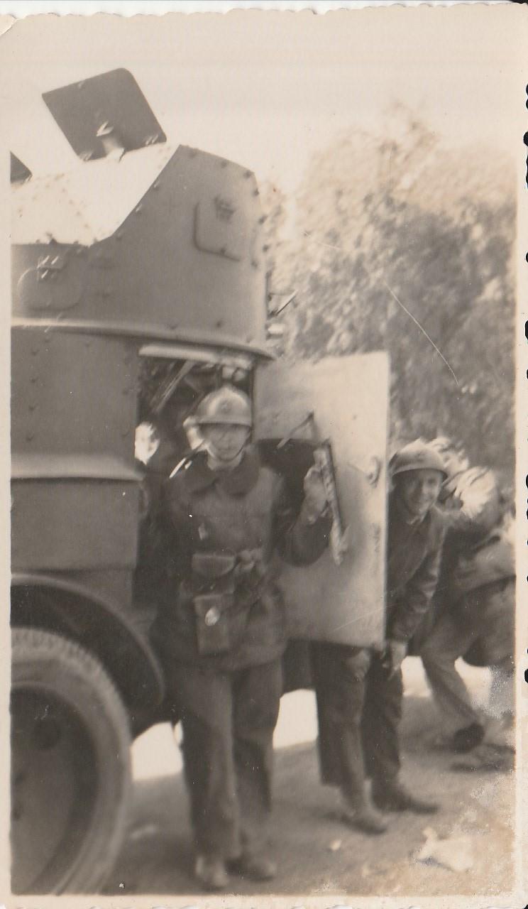 Identification d'automitrailleuses françaises - Années 30 ? Rif ? 611
