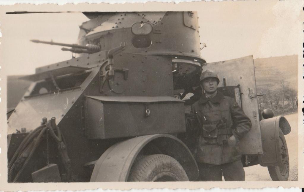 Identification d'automitrailleuses françaises - Années 30 ? Rif ? 711