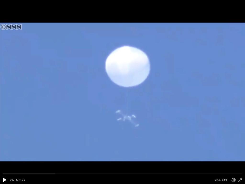 étrange drone A928611