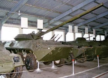 Soviet era reserve vehicles. - Page 3 Btr70_10