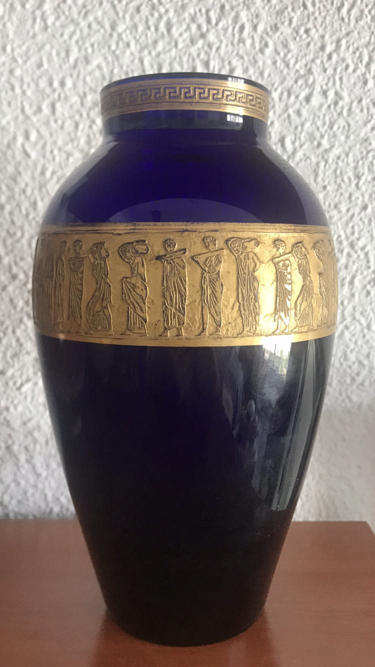 Vase bleu cobalt frise à l' antique attribué à Moser 3ae1ff10