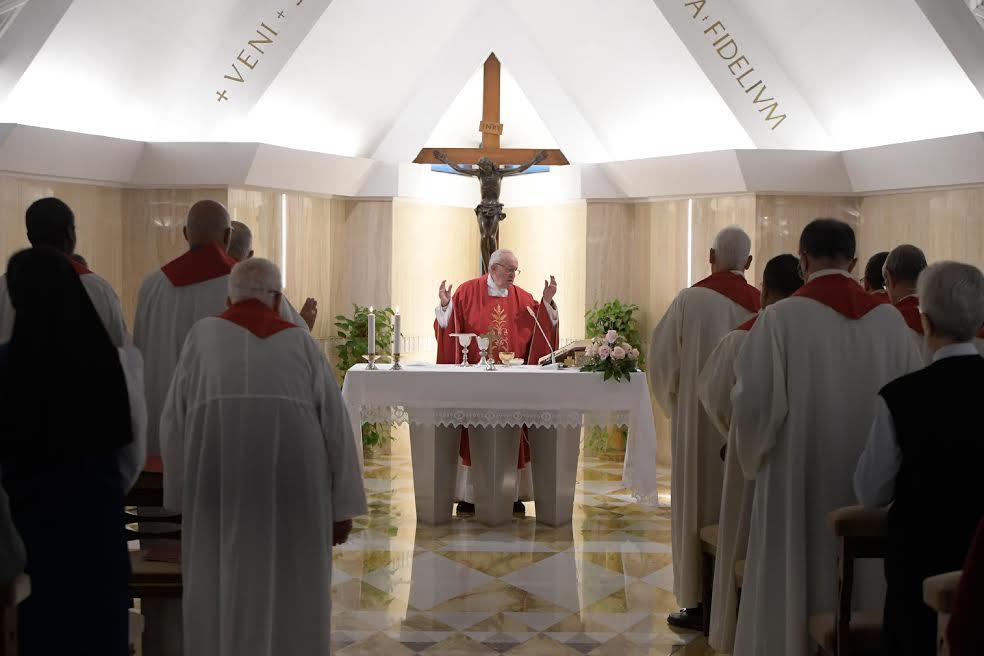 Le Pape à Sainte Marthe 0-1-110