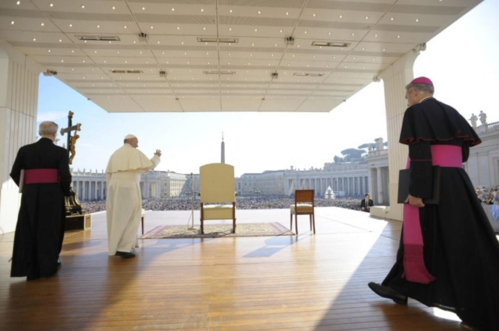 ✟Toute l'Actualité de notre Saint-Père le Pape François✟ - Page 7 Audien10