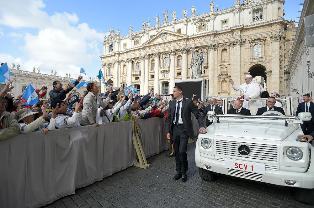 Tous les Mercredis : Audience Générale de notre Pape François!! Audien15