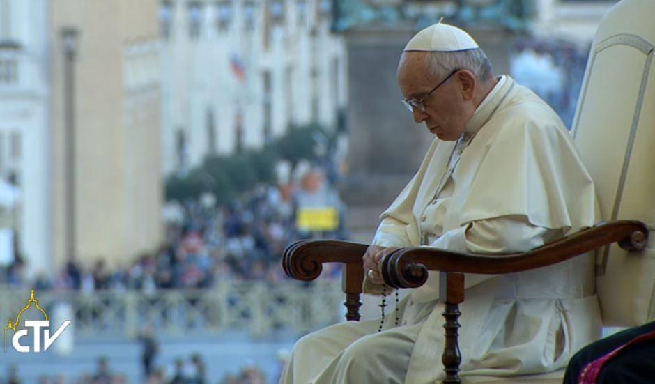 ✟Toute l'Actualité de notre Saint-Père le Pape François✟ - Page 7 Chapel10
