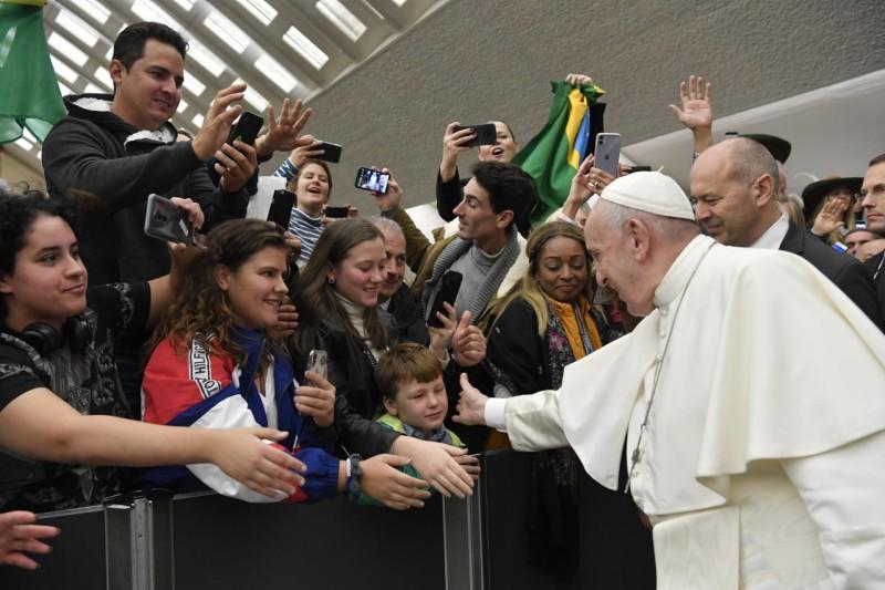 Tous les Mercredis : Audience Générale de notre Pape François!! - Page 2 Cq5dam13