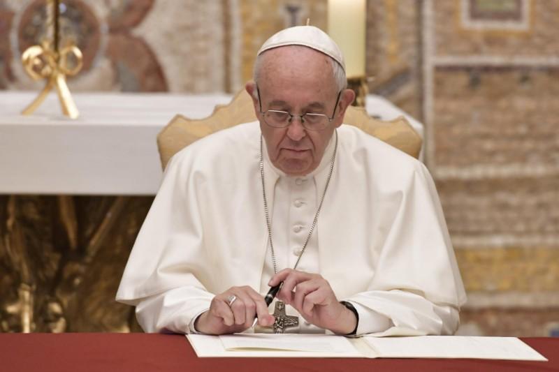 ✟Toute l'Actualité de notre Saint-Père le Pape François✟ - Page 11 Le-pap13