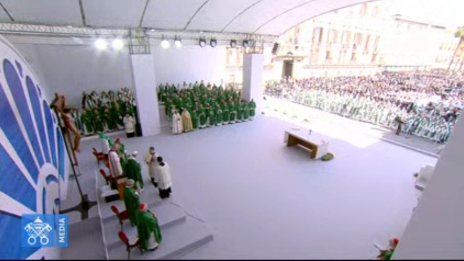 ✟Toute l'Actualité de notre Saint-Père le Pape François✟ - Page 13 Messe-13
