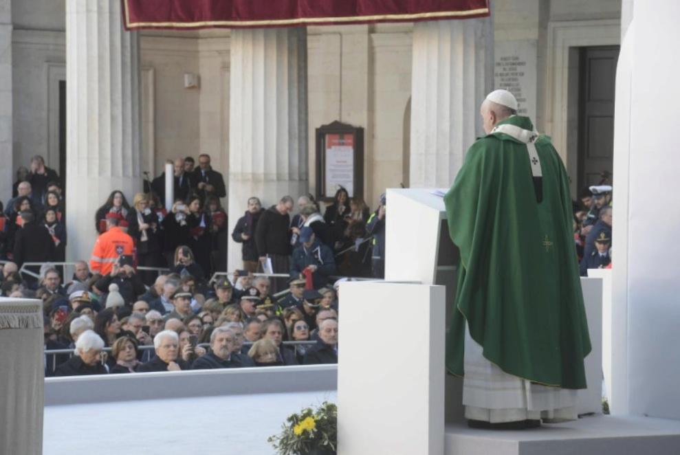 ✟Toute l'Actualité de notre Saint-Père le Pape François✟ - Page 13 Messe-14