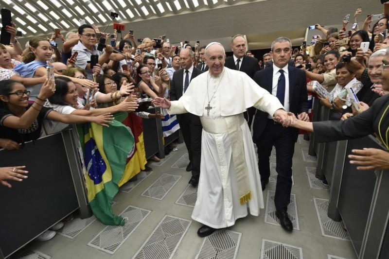 Tous les Mercredis : Audience Générale de notre Pape François!! Pap10