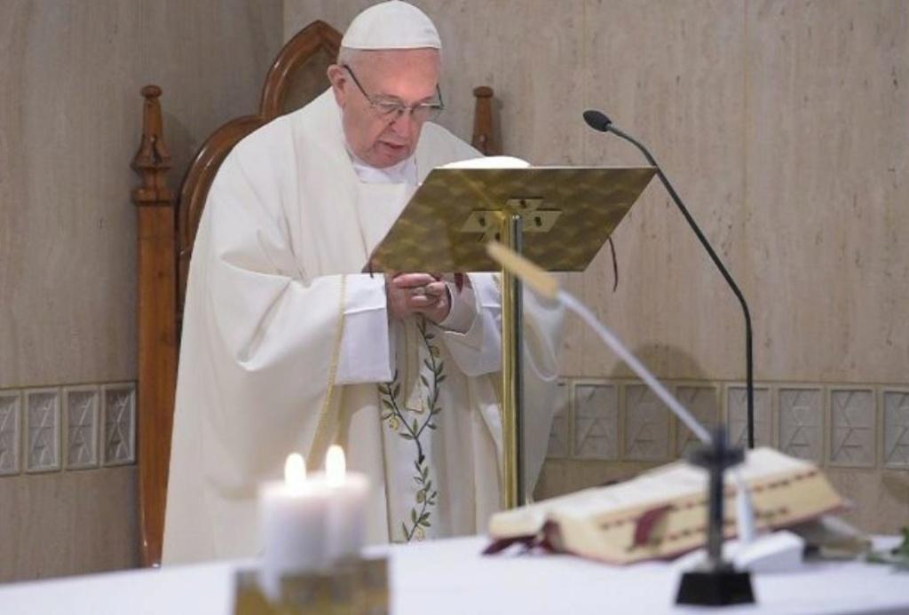 ✟Toute l'Actualité de notre Saint-Père le Pape François✟ - Page 6 Sainte10