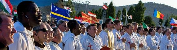 Continuer de prier pour les prêtres Semina10