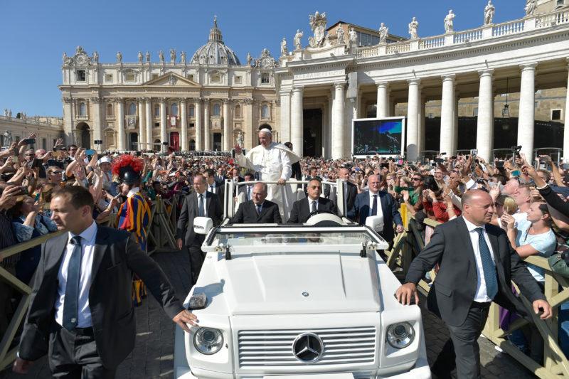 ✟Toute l'Actualité de notre Saint-Père le Pape François✟ - Page 7 Sfo58310