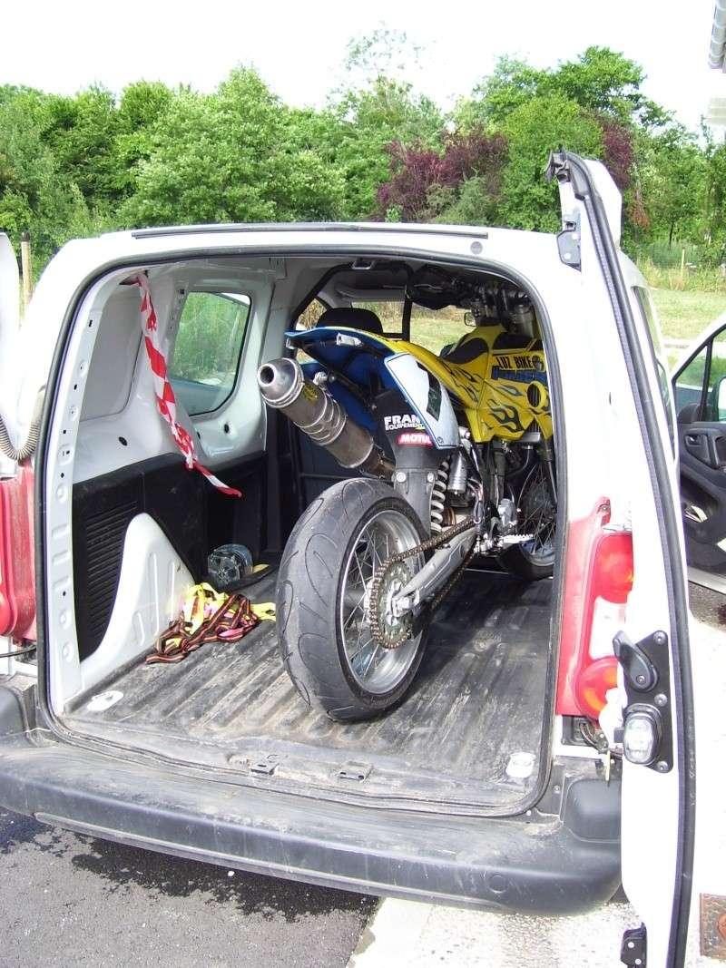 Une moto rentre dans un kangoo? Photo_10