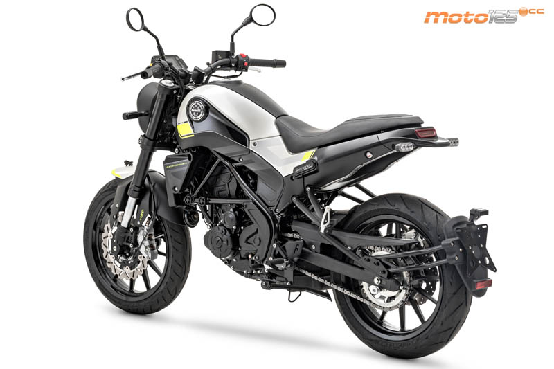 Nouvelle Benelli Leoncino 125 : Benell12