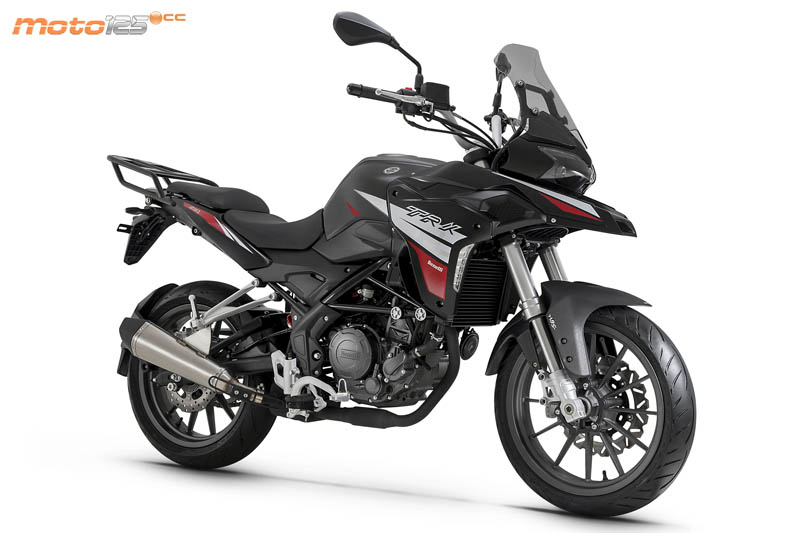 Nouvelle Benelli TRK 125: Benell14