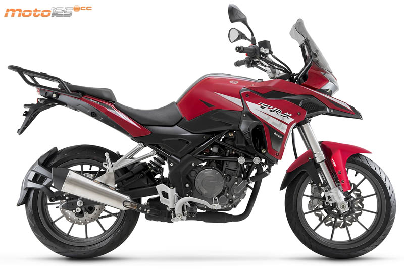 Nouvelle Benelli TRK 125: Benell15