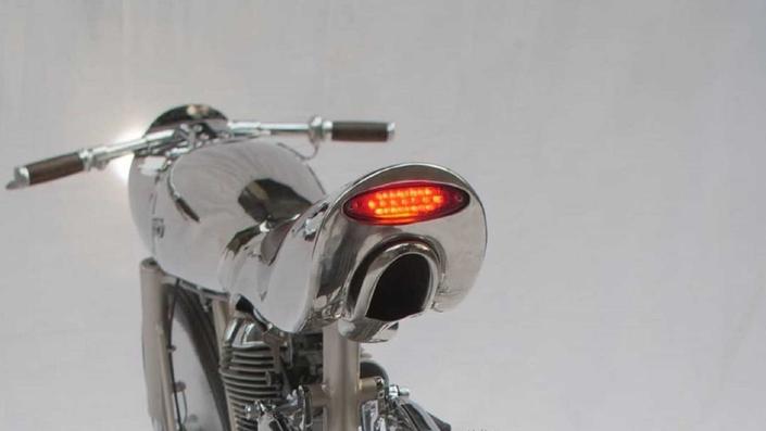 si vous avez photos de motos qui sortent de l ordinaire - Page 2 S1-une10