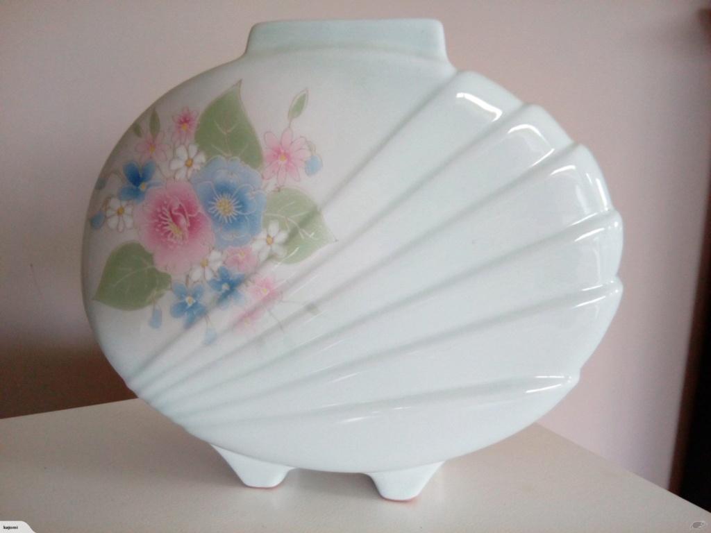 1280 - Scraffito Pottery Vase - Barry Ball 11812313