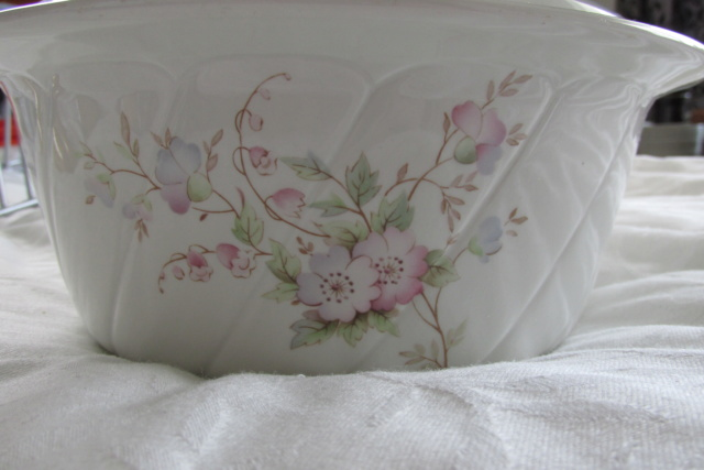 Jasmine Ovenware by Crown Lynn Img_0010