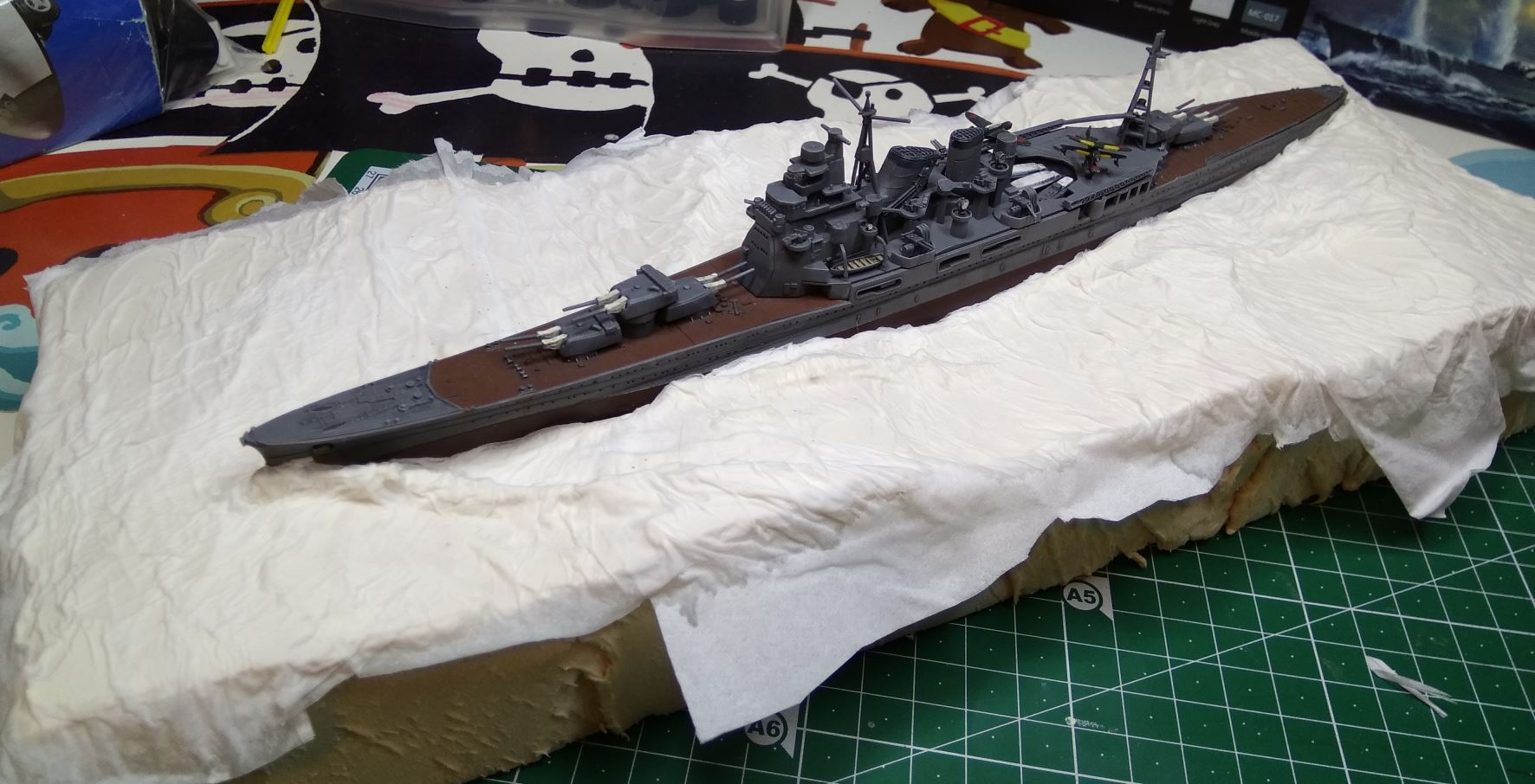 Débutant en diorama maritime, désormais terminé! Atago210