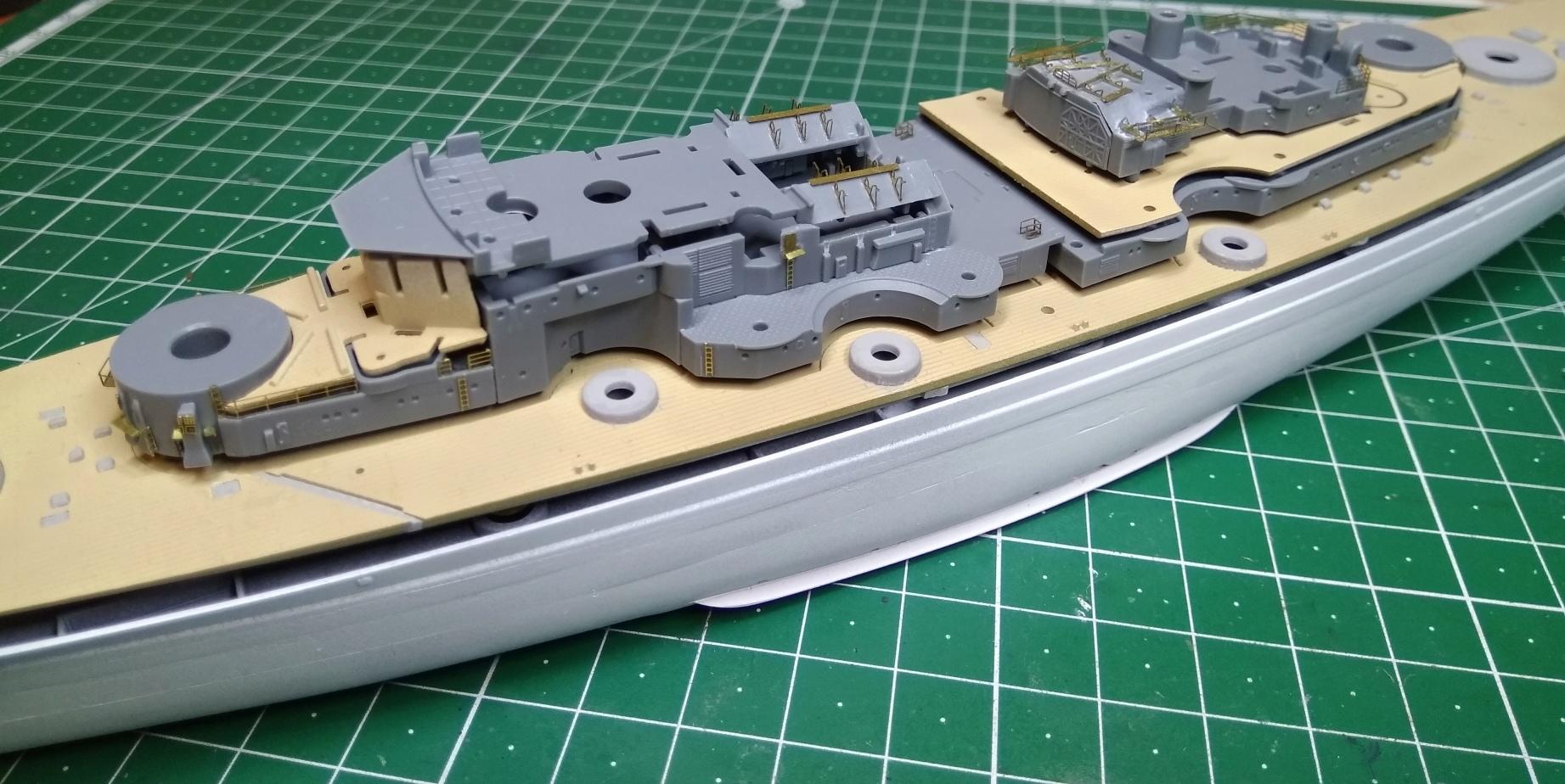 Bismarck MENG au 1/700e kit de PE Eduard - Page 2 Bismar26