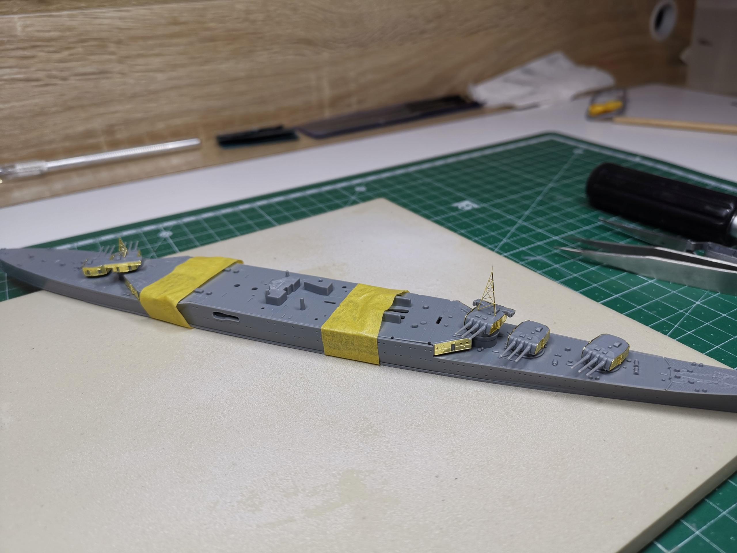 Croiseur léger Mogami Tamiya 1/700e + PE Artist Hobby Img_2012
