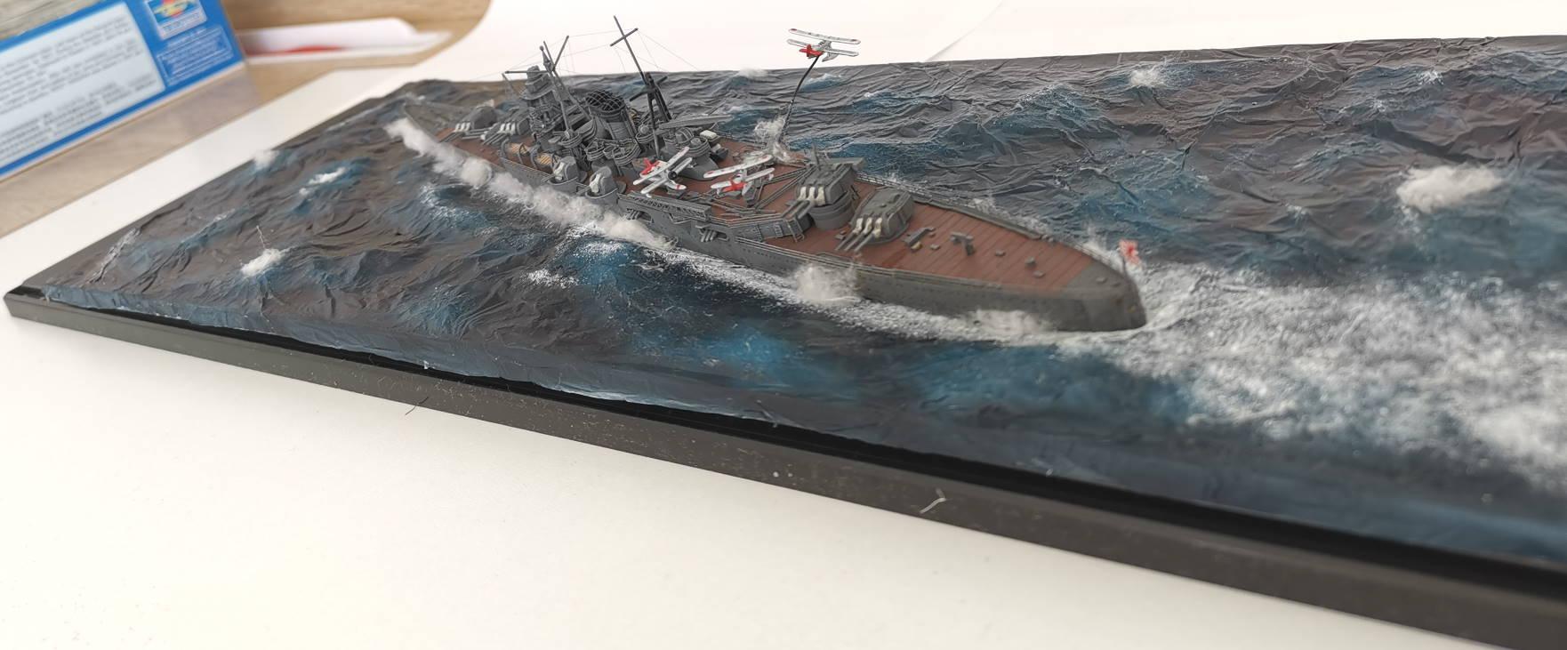 Croiseur léger Mogami Tamiya 1/700e, avec photodec Artist Hobby  Mogami27