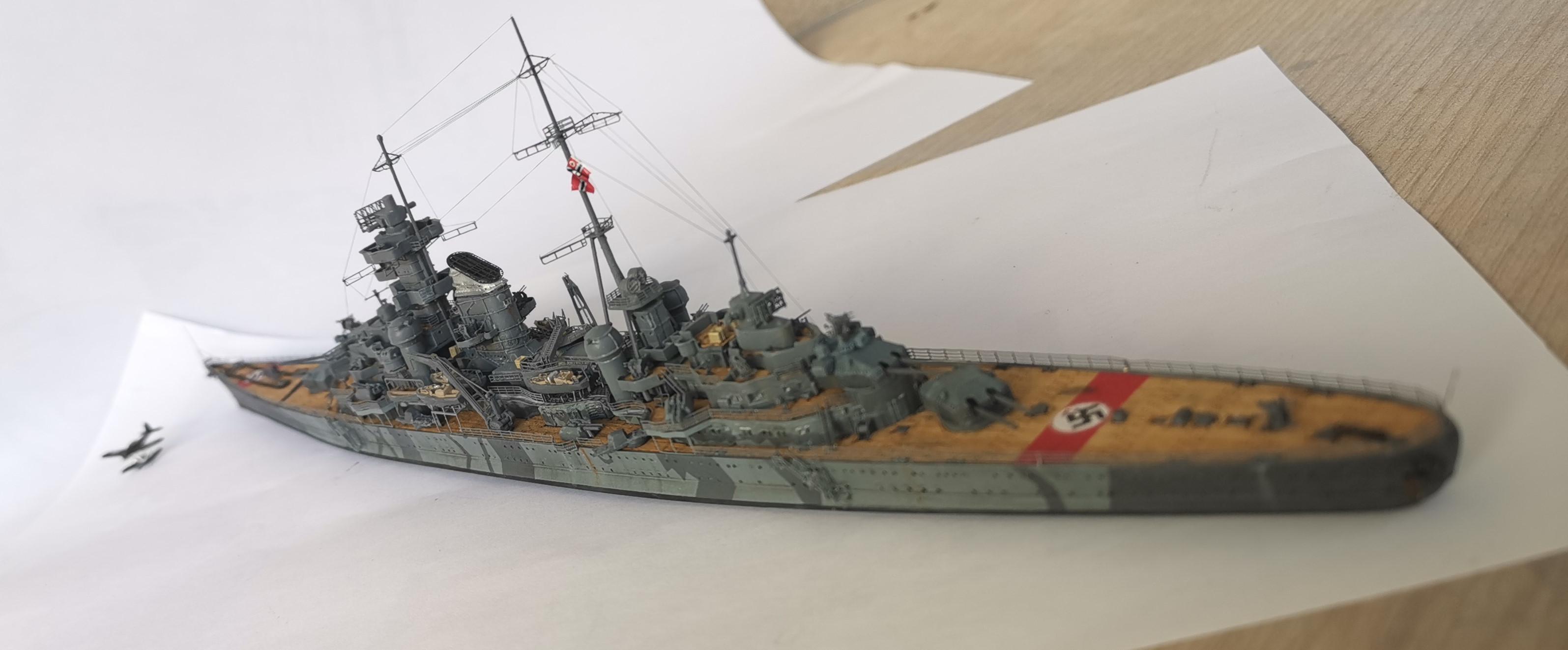 [TERMINE] Croiseur Prinz Eugen Trumpeter 1/700e, PE Flyhawk, pont en bois - Page 7 Prinz010