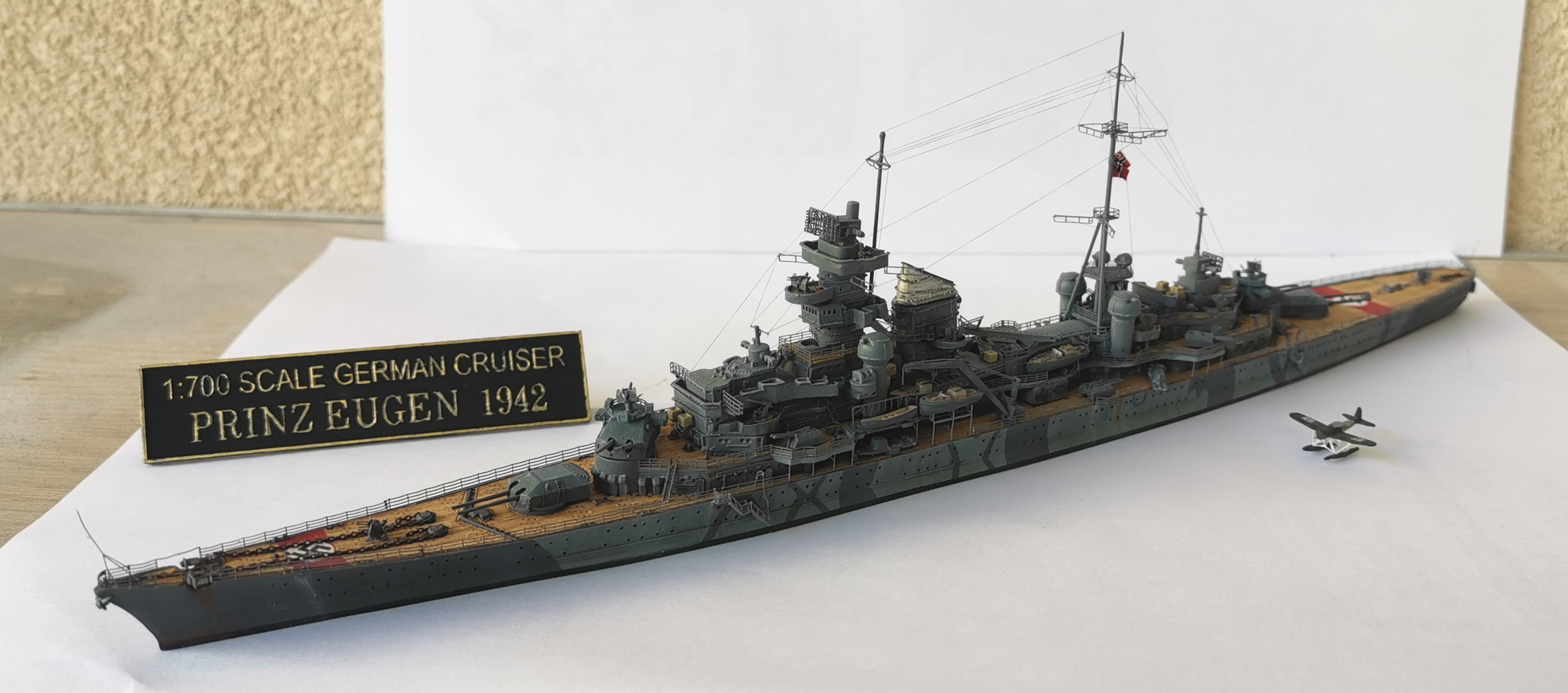 [TERMINE] Croiseur Prinz Eugen Trumpeter 1/700e, PE Flyhawk, pont en bois - Page 7 Prinz011