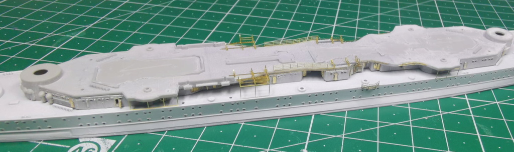 [TERMINE] Croiseur Prinz Eugen Trumpeter 1/700e, PE Flyhawk, pont en bois - Page 5 Prinz12