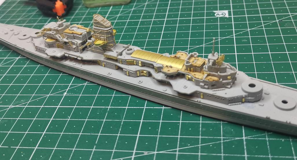 [TERMINE] Croiseur Prinz Eugen Trumpeter 1/700e, PE Flyhawk, pont en bois - Page 3 Prinz310