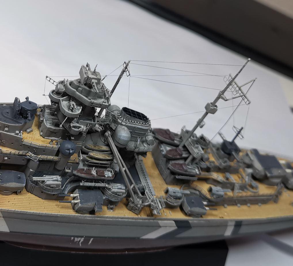 Bismarck MENG au 1/700e kit de PE Eduard - Page 6 Rig210