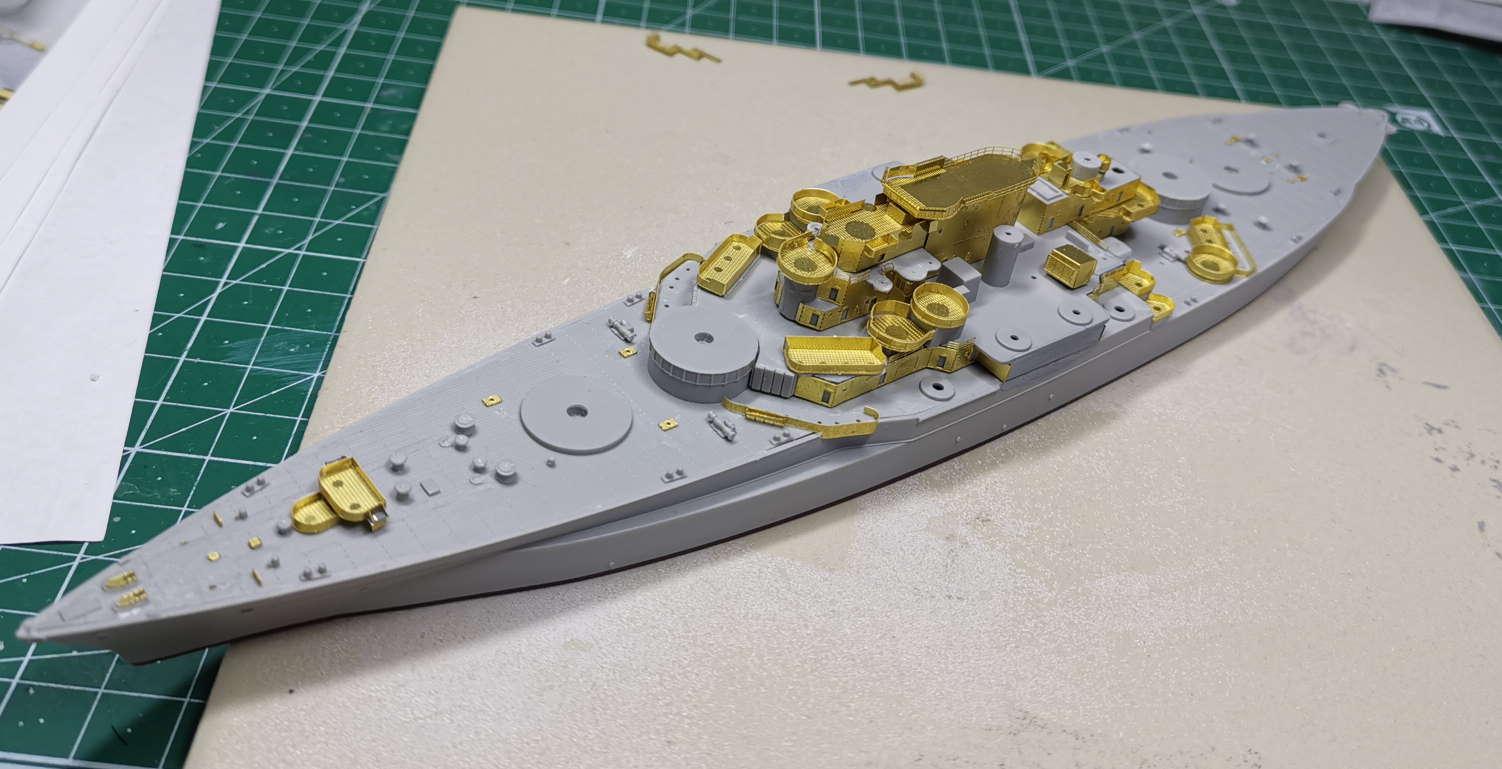 USS West Virginia (Trumpeter+superdetail Five Star 1/700°) de IsKor - Page 2 Weevee10