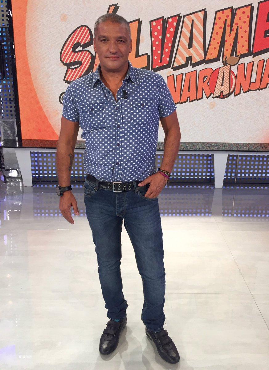 ¿Cuánto mide Santiago Segura? - Altura - Real height - Página 4 Dhw6dn10