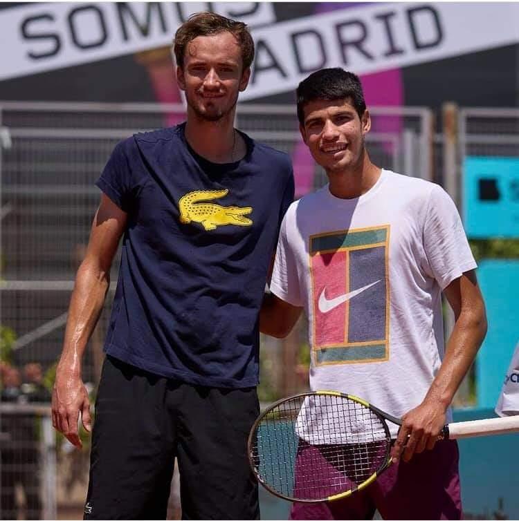 ¿Cuánto mide Carlos Alcaraz? - Altura real: 1,81 - Real height Fb_img16