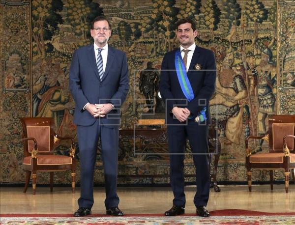 ¿Cuánto mide Iker Casillas? - Estatura real: 1,82 - Real height Imagen11