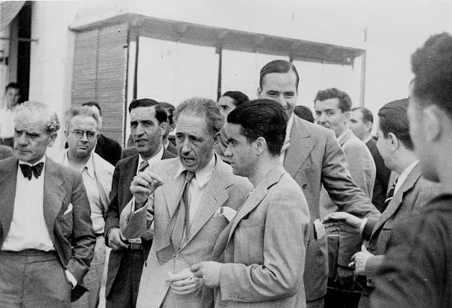 ¿Cuánto mide Francisco Franco? - Altura - Real height - medía - Página 12 Lavang10
