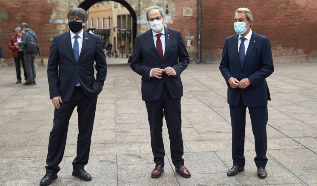 ¿Cuánto mide Carles Puigdemont? - Estatura - Real height Qyypsv10