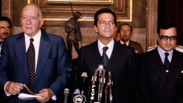 ¿Cuánto mide Francisco Franco? - Altura - Real height - medía - Página 11 Tarrad10
