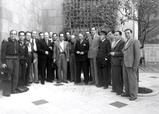 ¿Cuánto mide Francisco Franco? - Altura - Real height - medía - Página 12 Unname15