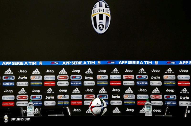 Juventus conferencia de prensa #1 Sala_c10