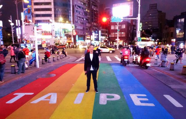 《叔‧叔》金馬影展感動首映,導演楊曜愷西門町遇「彩虹」大喜 009aus10