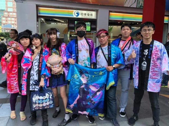《BanG Dream! FILM LIVE》映前打CALL特映場 炎炎烈日不滅邦邦粉熱情 打CALL打到手痠仍熱力應援! 1117_o11