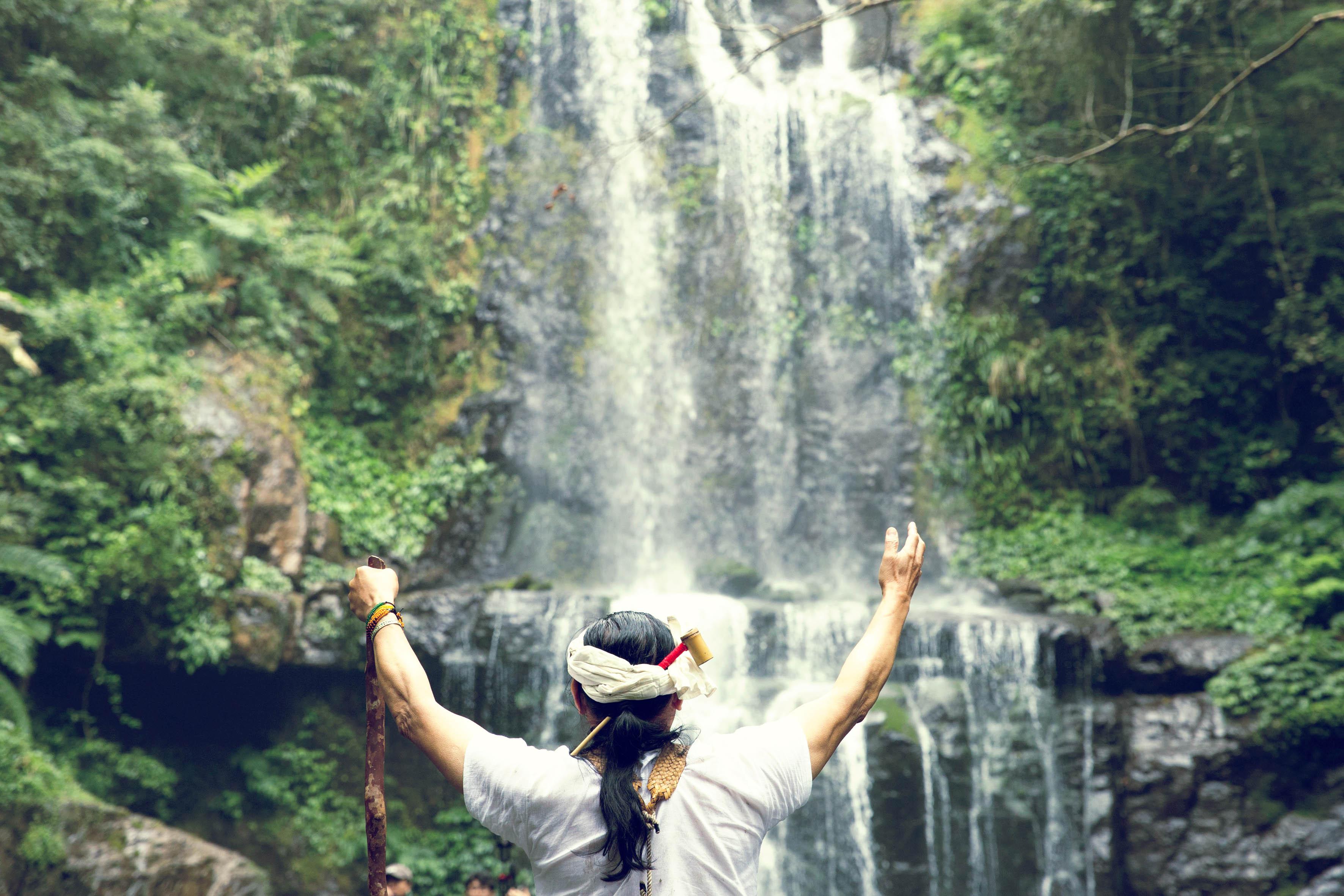 台灣VR影片國際矚目 坎城市場展吸引各國買家一探究竟 原住民音樂結合VR互動影片《Oli邊境》 驚艷各國影展選片人 Ezouao10