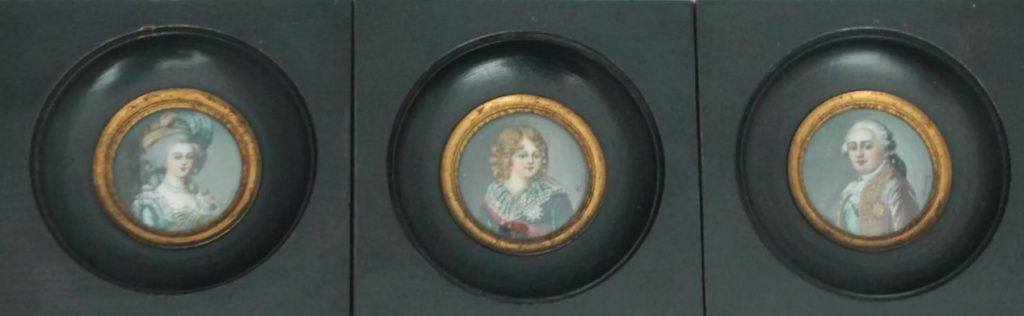 A vendre: miniatures de Marie Antoinette et de ses proches - Page 14 Zvale210