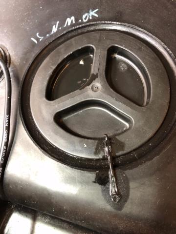 Bouchon du réservoir gasoil Image111